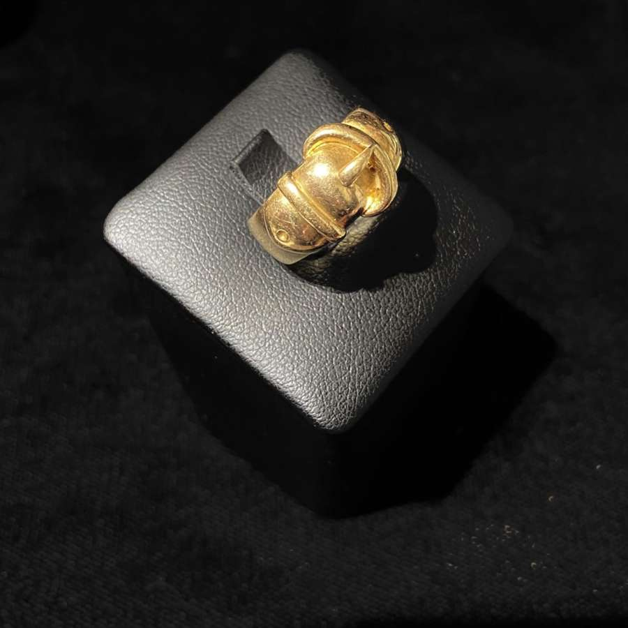 18ct Gold Buckle Ring